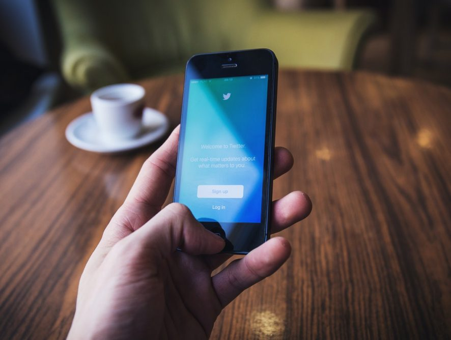 Sales Accounts You Should Follow on Twitter