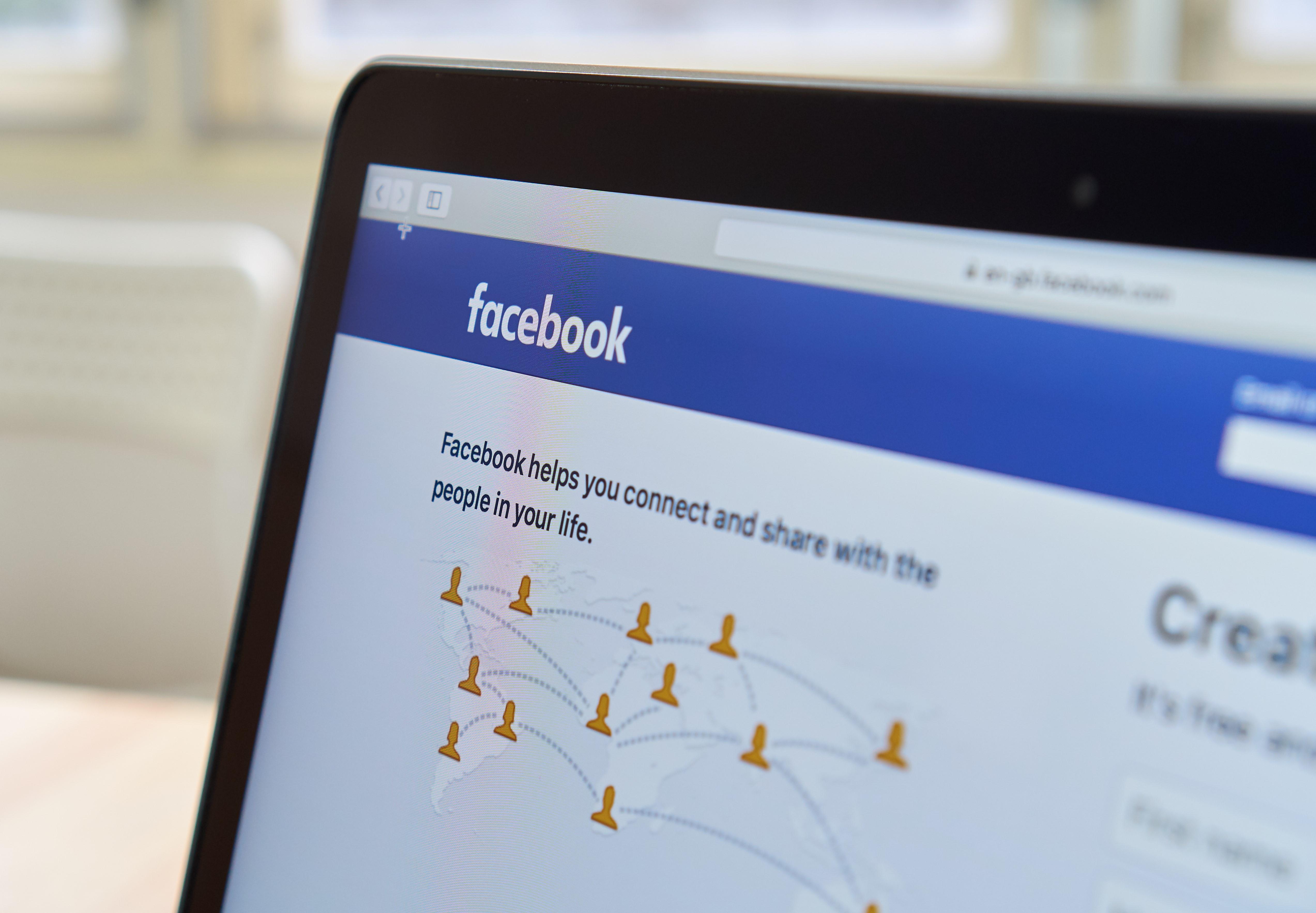 Facebook Picks Friends Over Publishers